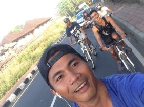 The weekend started off with my friends riding in Bali along the rice paddies